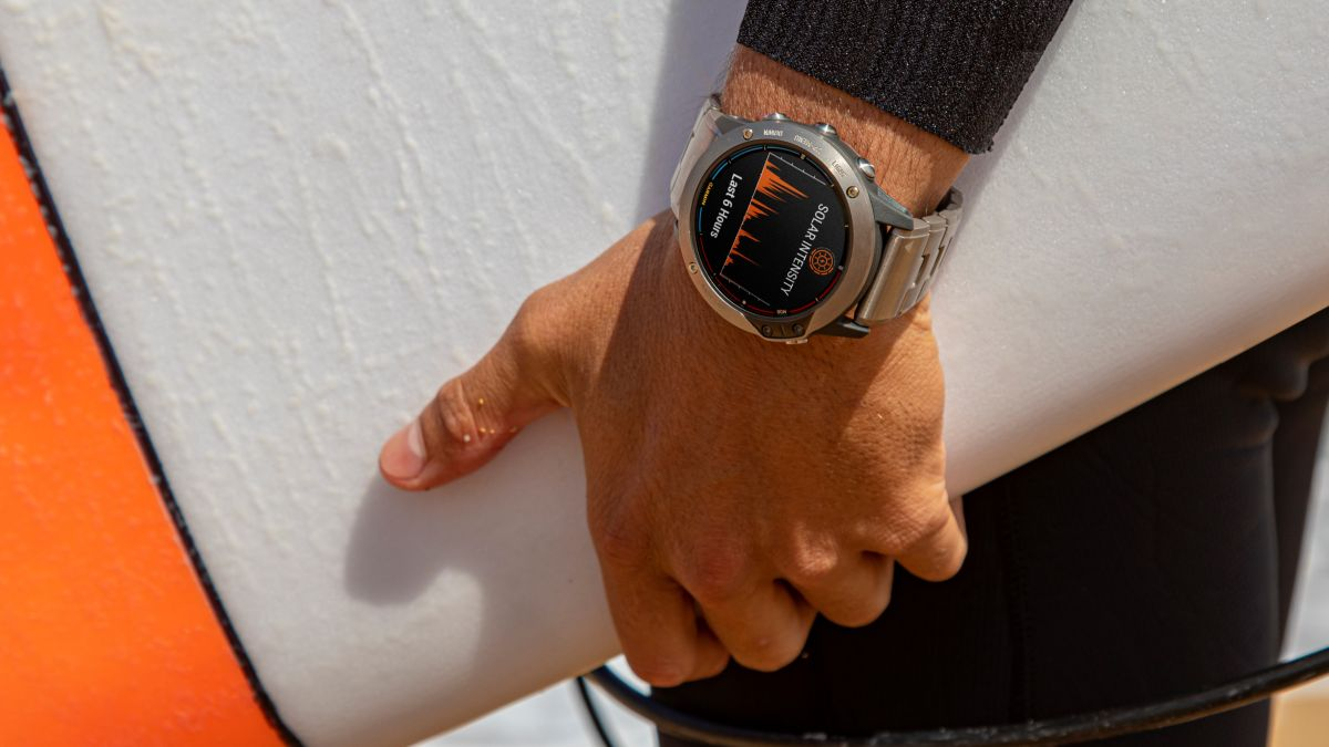 Garmin launches solar smartwatch that lasts up to 24 days between charges - TechRadar South Africa