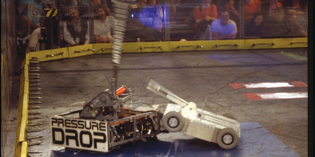Deadblow attacking Pressure Drop on BattleBots