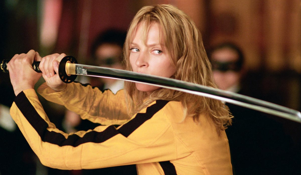 Kill Bill Vol. 1 The Bride holds her sword in front of her face, ready to attack