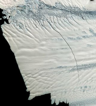 pine island glacier ice shelf, ice shelf crack, Antarctic glacier crack, satellite pictures, Antarctic ice, ice berg calving