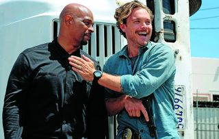 A tough case brings Riggs and Murtaugh into contact with a familiar face