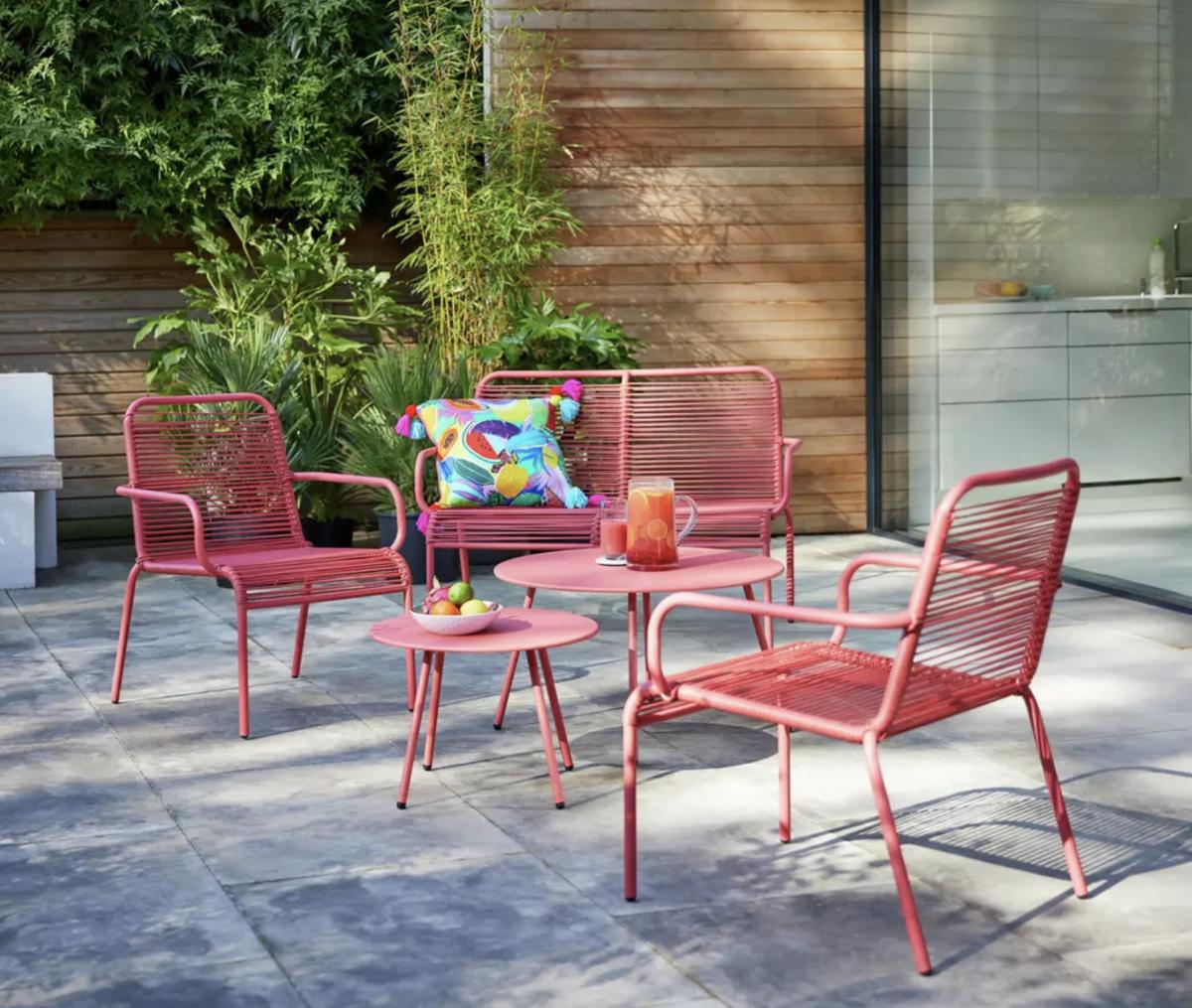 This AMAZING Argos garden furniture is on sale...