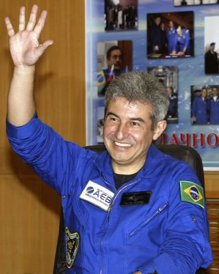 Brazil's First Astronaut to Carry Nation's Flag, Hopes Spaceward
