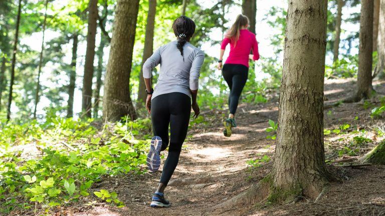 Best trail running shoes women running woods