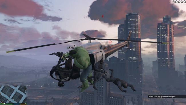 GTA 5 Hulk mod now lets you bodyslam NPCs from helicopters