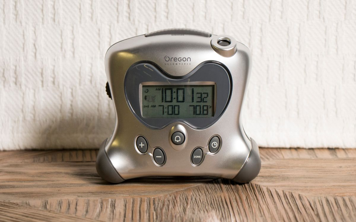 Best Alarm Clocks 2019 - Clock Radios and Battery Backup Alarms