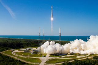 United Launch Alliance Atlas V Rocket Carrying GPS IIF-4 satellite