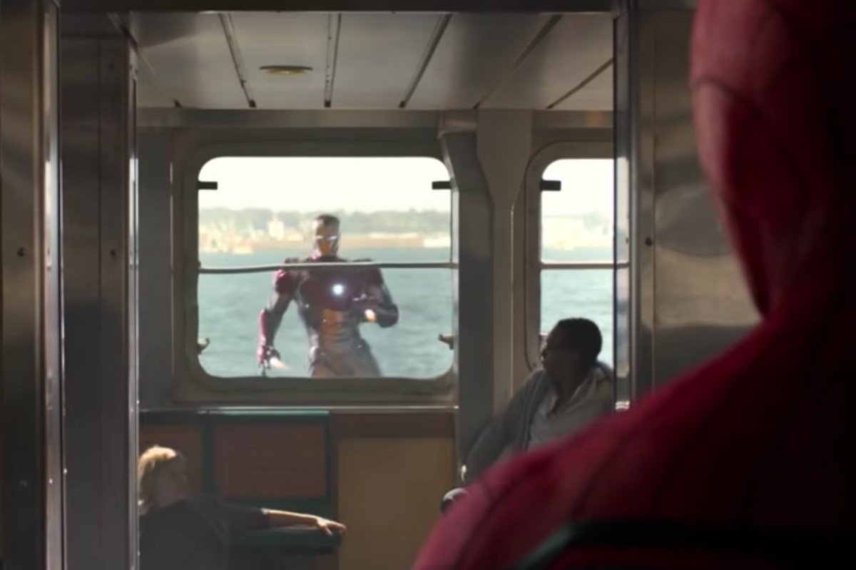 Spider-Man: Homecoming Iron Man With Spider-Man Watching