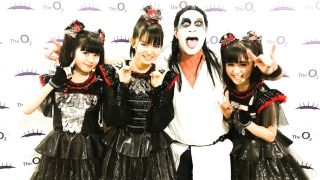 A pcture of Babymetal with Chad Smith