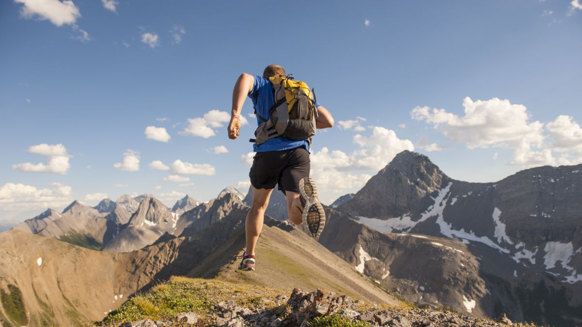 What is fastpacking: how to get more adventure in less time