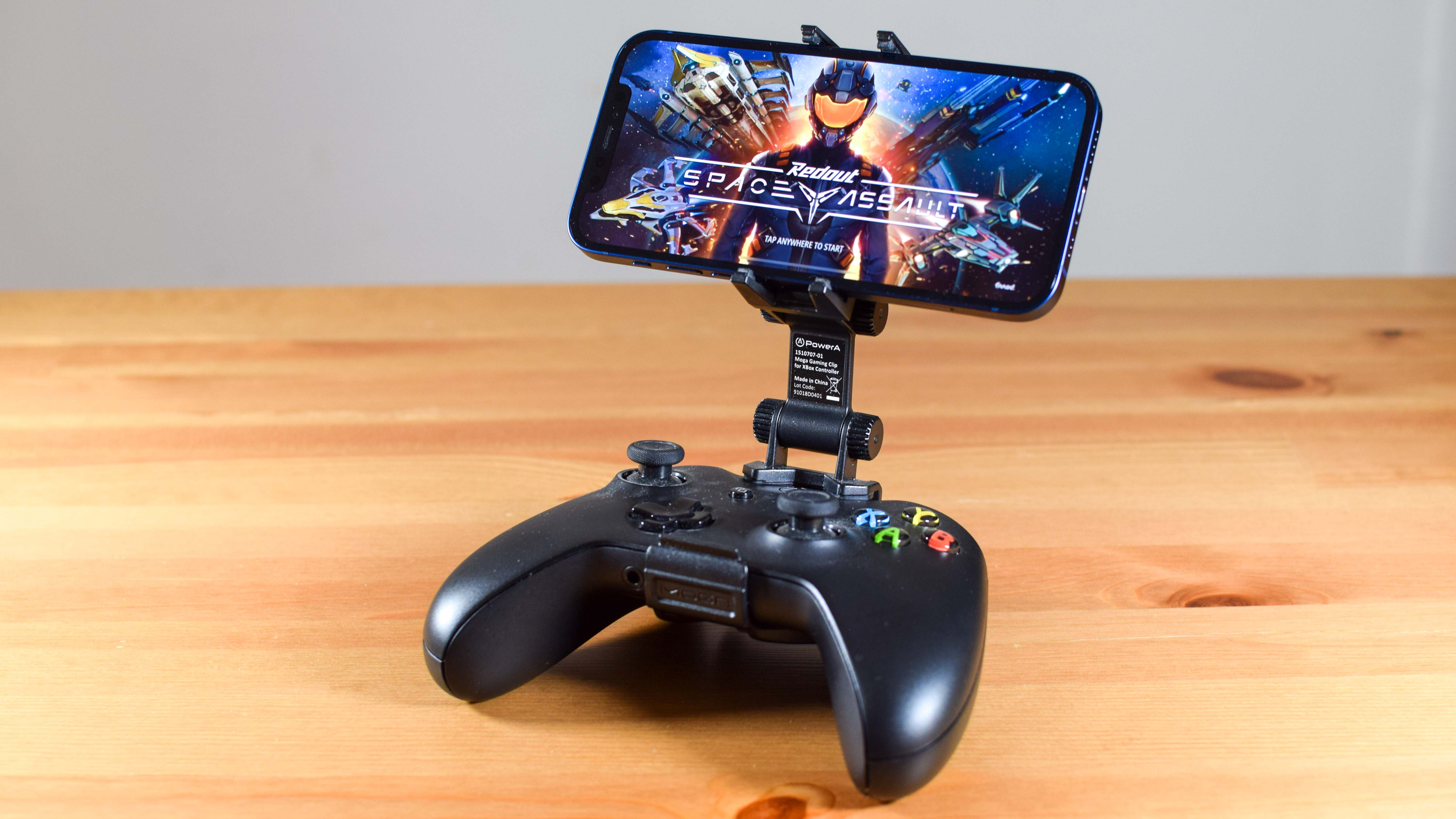 Xbox wireless controller and iPhone 12