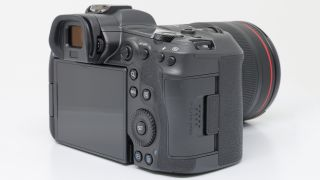 Touchy subject: Canon abandons touch bar on Canon EOS R5
