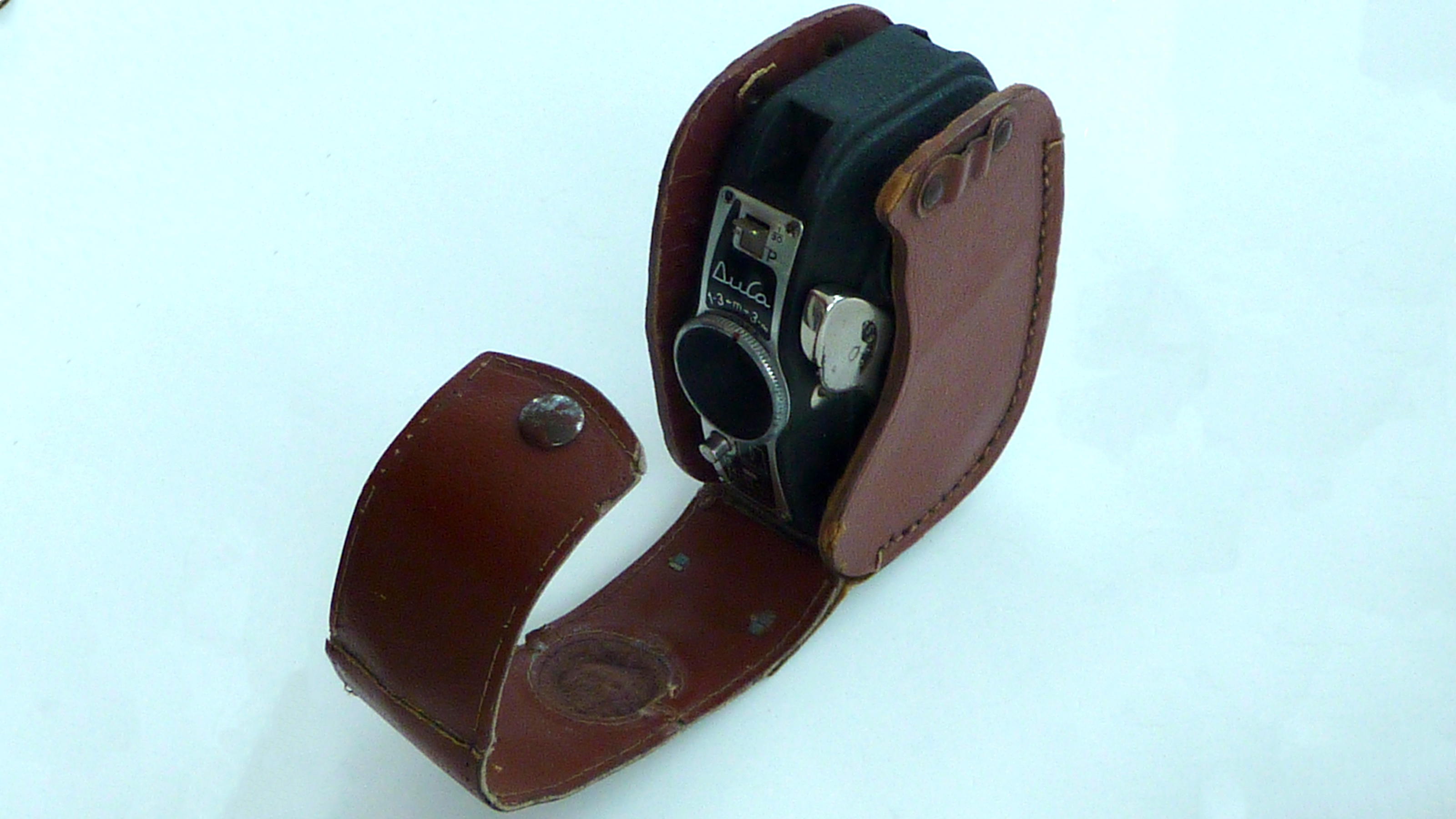 The Durst Duca camera in its leather case