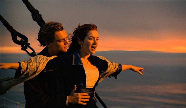 Titanic Jack and Rose flying on the bow
