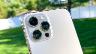 iPhone 12 Pro Max review cameras
