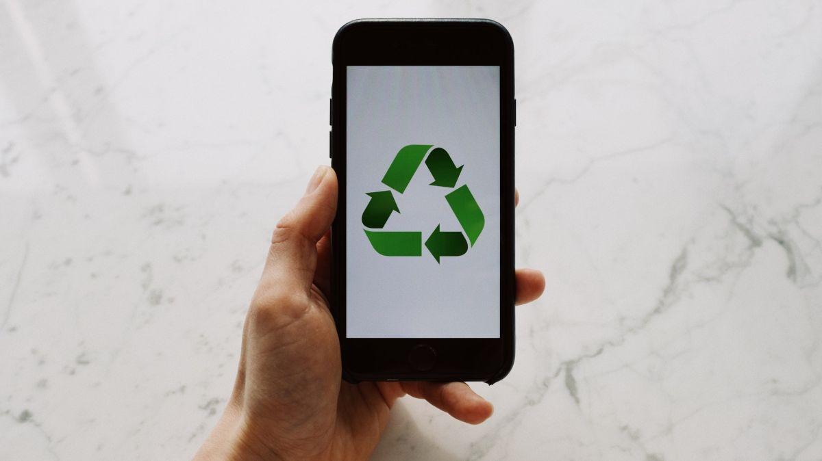 8 cách để sử dụng lại Android hoặc iPhone cũ của bạn
