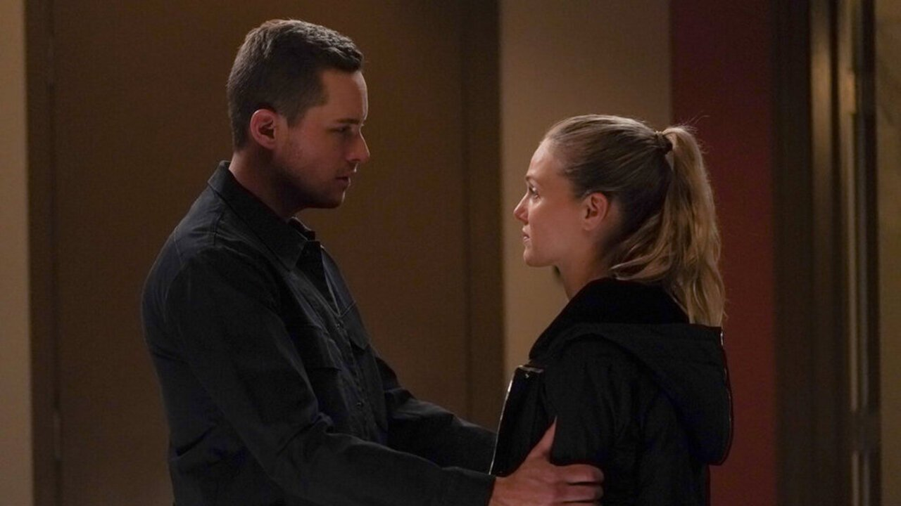 Chicago P.D.'s Tracy Spiridakos And Jesse Lee Soffer Break Down Upstead's Big Proposal Twist, And What Comes Next
