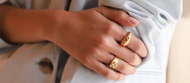 Missoma gold signet ring