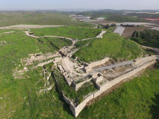 Tel Lachish gate-shrine