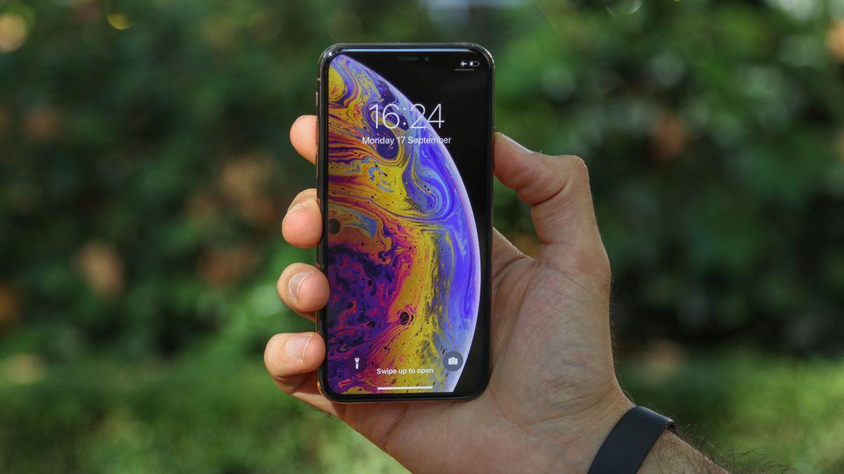 iOS 12.1 brings Apple SIM to iPhone XS & XR