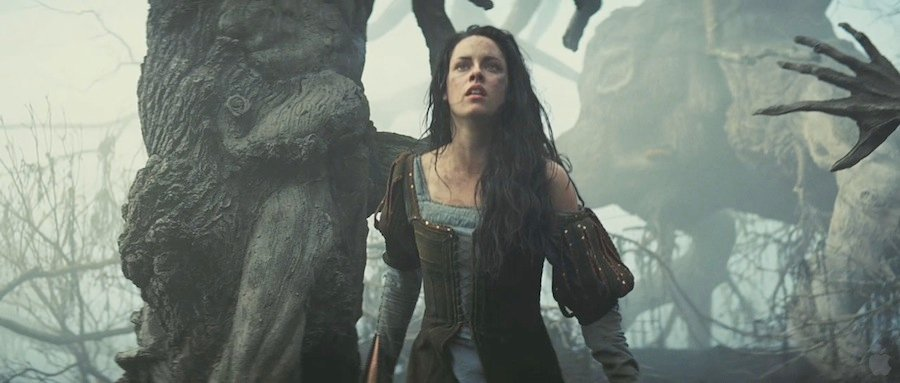 35 High-Res Screenshots From The Snow White And The Huntsman Trailer #5201