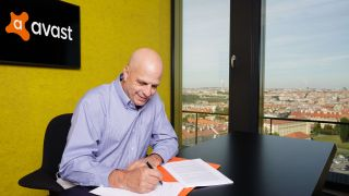 Antivirus company Avast buys AVG - CEO Vince Steckler signs contract
