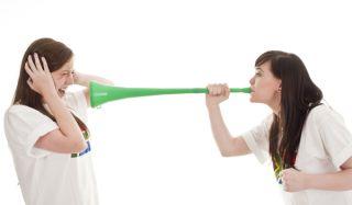 vuvuzela-100623-02