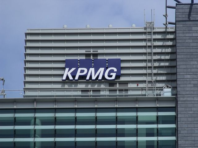 kpmg how many firms