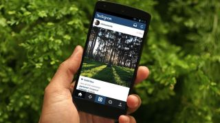 Instagram begins to filter out Foursquare in favour of Facebook Places