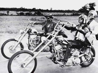 Dennis Hopper and Peter Fonda ride to Steppenwolf