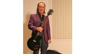 Meet the legendary Kinks guitarist in person and bag a tasty Les Paul