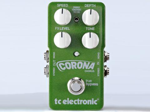 The Corona produces a nuqiue, very broad chorus.