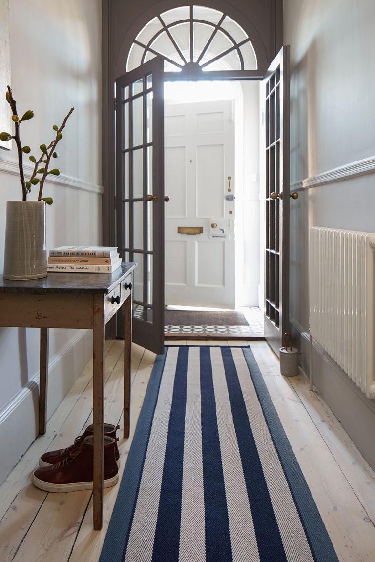 Hallway rugs: 10 ideas to add style to