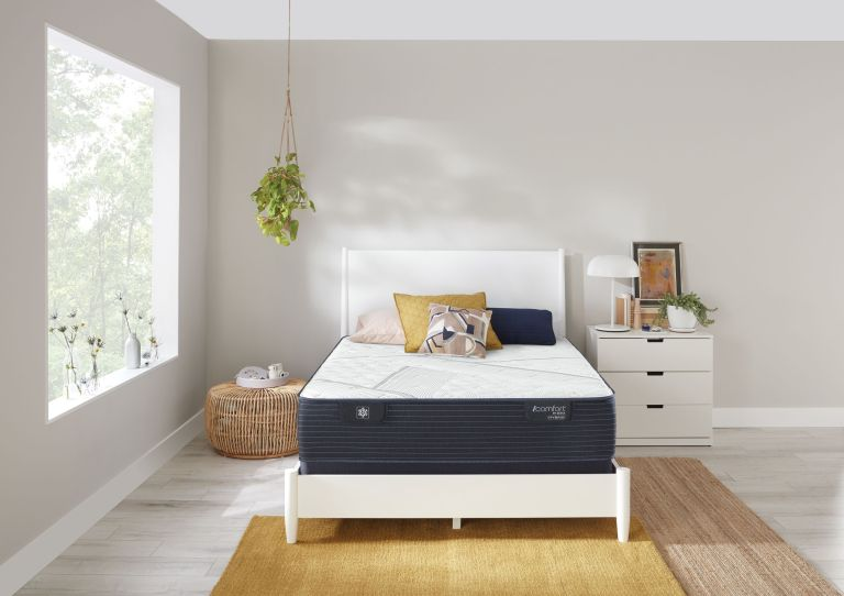 Summer saving alert! Save up to 50 percent at Mattress Firm right now