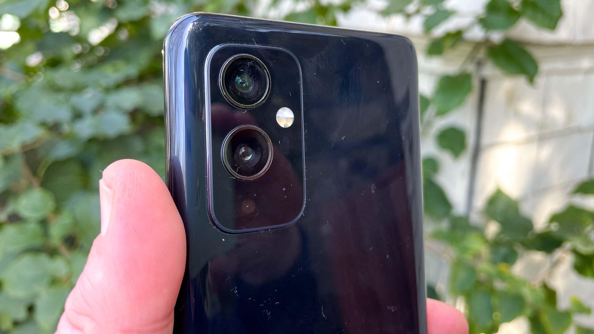 OnePlus 9T: OnePlus 9 rear cameras