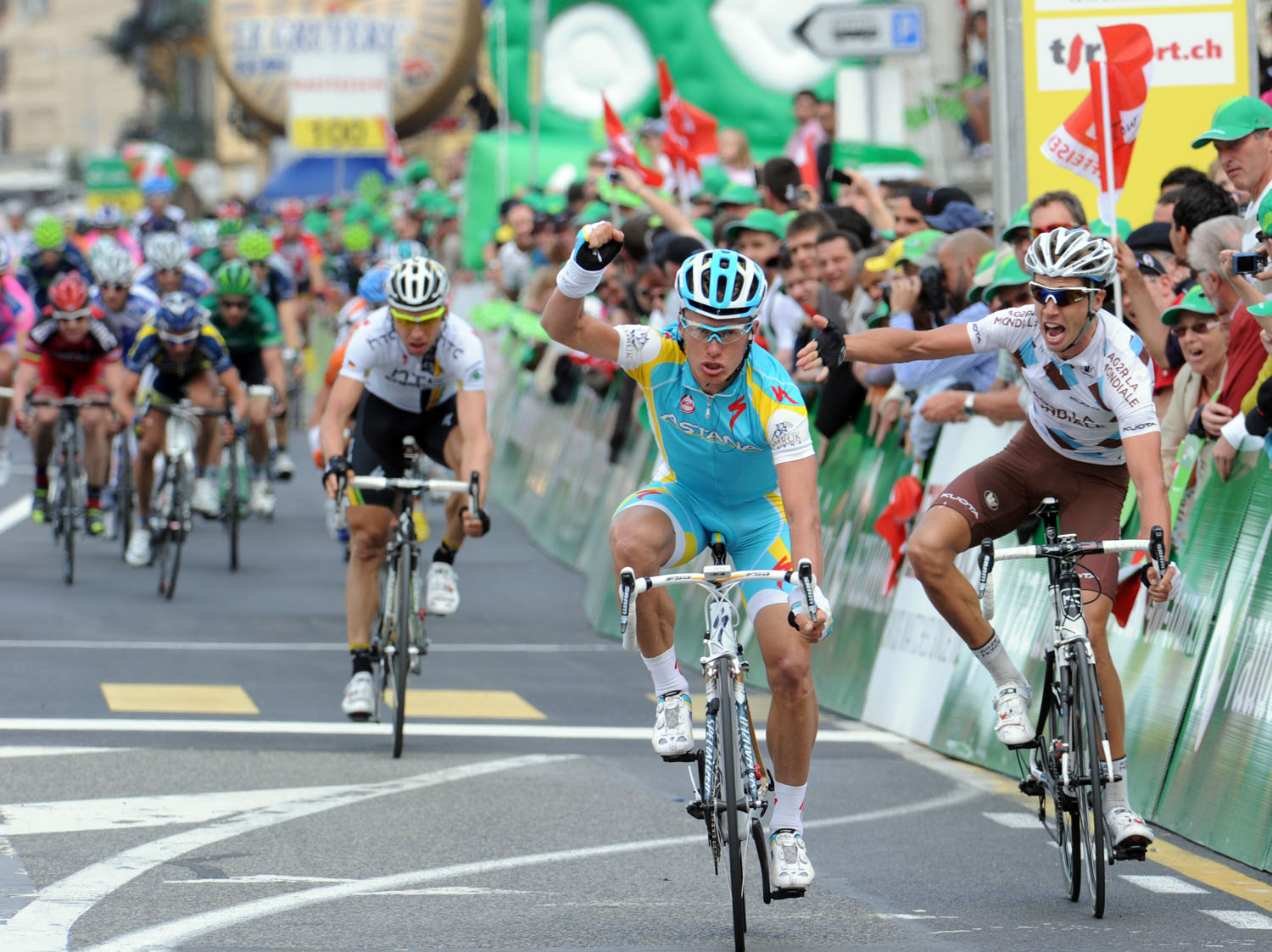 Alexandre Vinokourov wins as Mikael Cherel protests, Tour de Romandie 2011, stage three