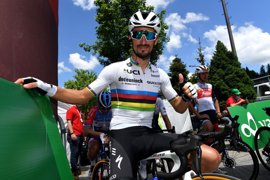 www.cyclingnews.com