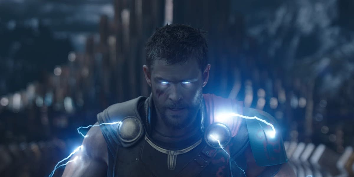Chris Hemsworth in Thor: Ragnarok crackling with lightning