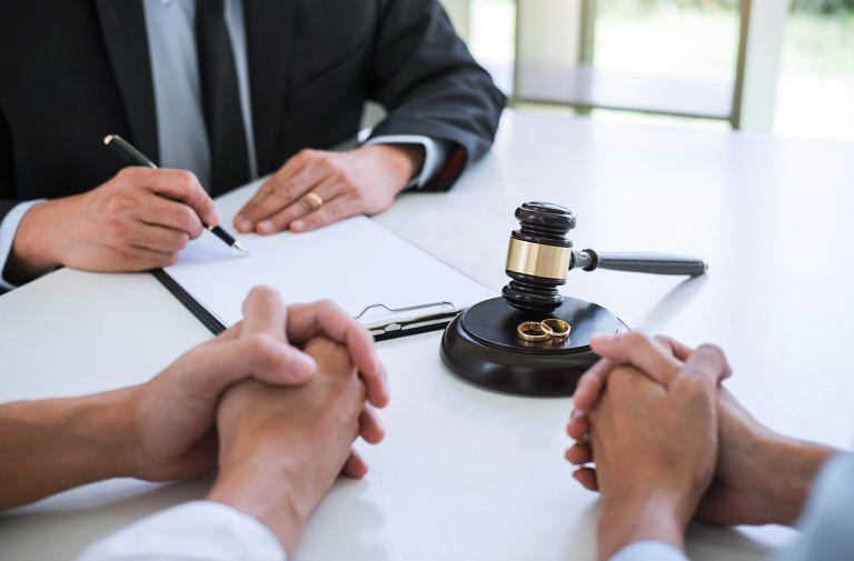 woman wins landmark divorce case quitting career raise family