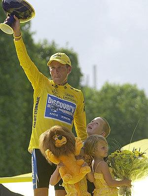 Lance Armstrong Tour podium 05