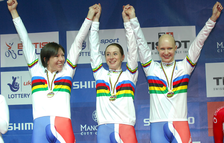 Women's team pursuit podium