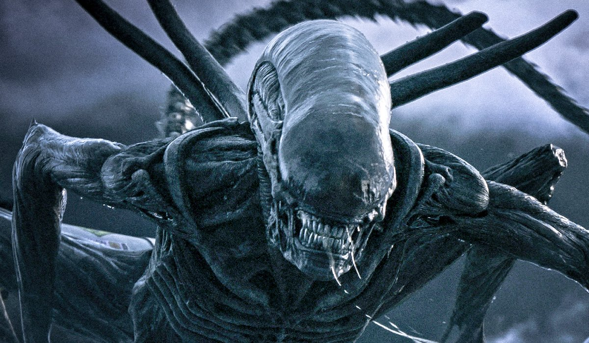 Alien: Covenant an angry Xenomorph drools in the wind