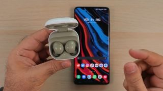 Samsung Galaxy Buds 2 unboxing