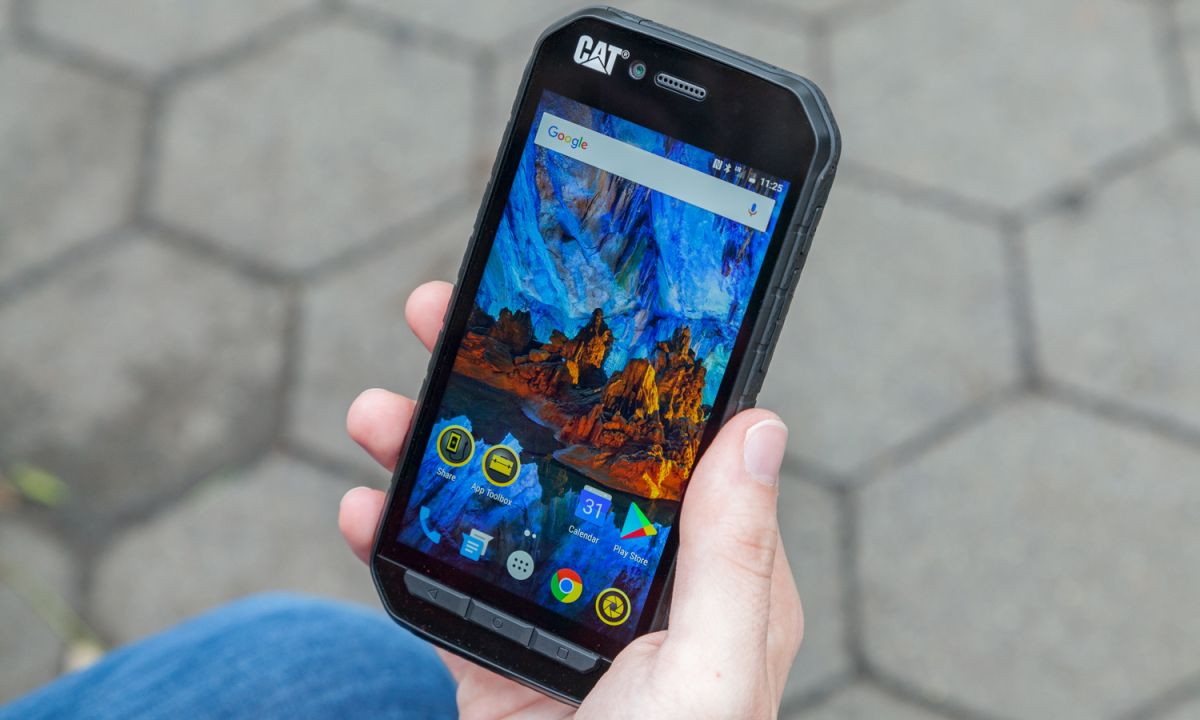 Cat S41 Review: The Phone Endures, the Camera Does Not