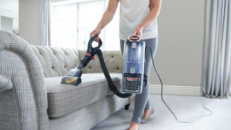 Shark Anti Hair Wrap Vacuum