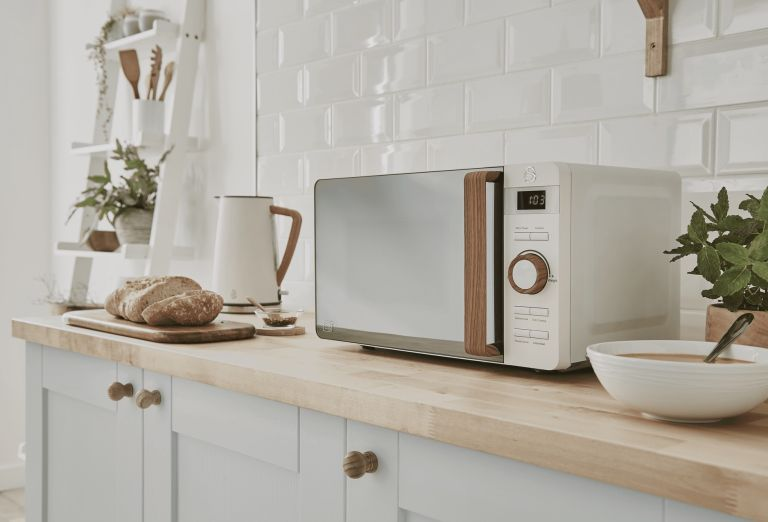 Best microwave: Swan Nordic Digital Microwave