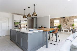 Handleless kitchen from Higham Furniture