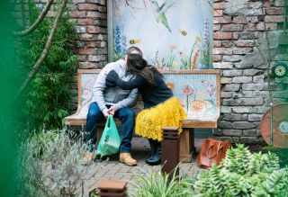 Behind the scenes Alina and Tyrone kiss Coronation Street