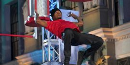 Watch World Of Dance's Ne-Yo Dominate The Warped Wall On American Ninja Warrior