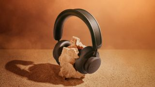 the urbanista los angeles self charging headphones